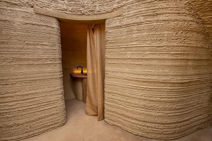 В напечатанном доме имеется изолированная ванная комната (TECLA, Италия). | Фото: corriereinnovazione.corriere.it.