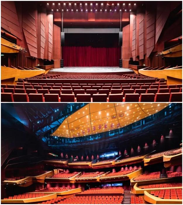В оперном зале, рассчитанном на 1,6 тыс. зрителей, внедрена особая акустическая система.