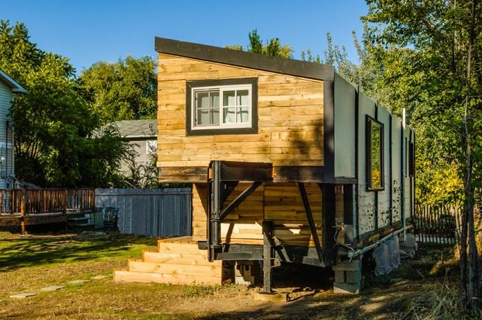 Необычная конструкция дома позволила увеличить полезную площадь.