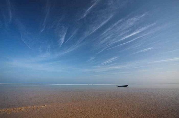 Райские острова Фиджи где небо сливается с океаном.