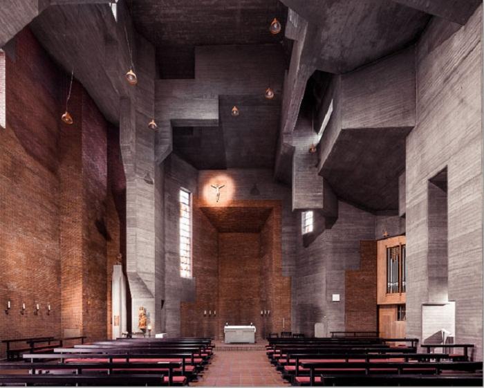 Невероятная суровость Церкви Воскресения Христа в Кёльне (Германия). | Фото: ©Thibaud Poirier.