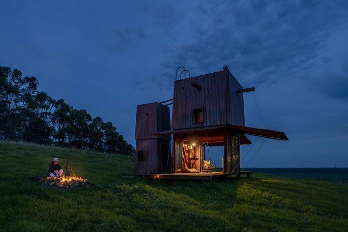 Если захочется покушать, то придется развести костер (Permanent Camping-2, Австралия). | Фото: housesawards.com.au.