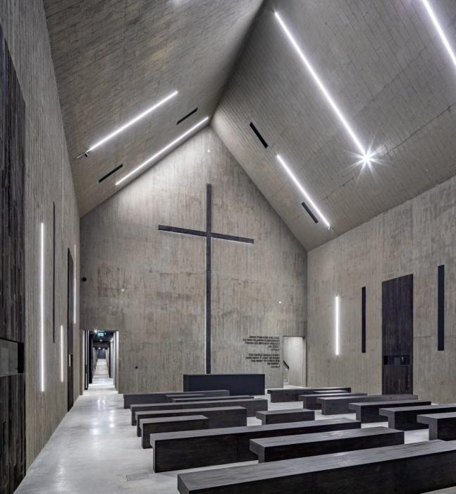 В одном из секторов есть часовня, где можно будет помолиться за души безвременно ушедших (Mauzoleum Martyrologii Wsi Polskich, Михнев).   Фото: © Marcin Czechowicz.