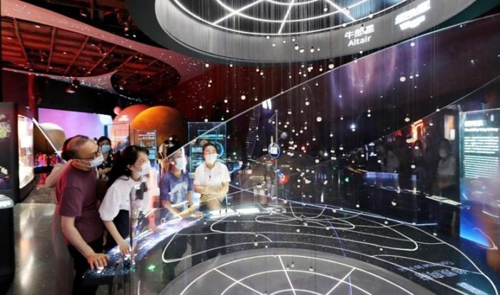 Демонстрационные и учебные залы позволят получить астрономические знания в подходящей обстановке (The Shanghai Astronomy Museum, Китай). | Фото: urbanfamily.thatsmags.com.