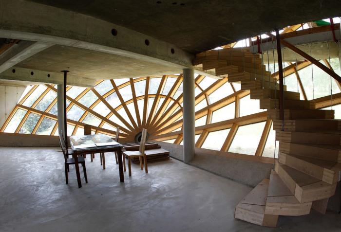 Необычный интерьер Heliodome диктует странная архитектура самого здания. | Фото: hronika.info.
