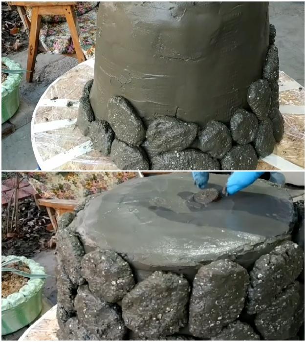 После хаотичного распределения «камешков» нужно убрать пробки из отверстий.