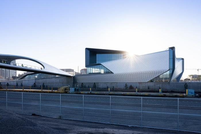 Американская студия дизайна Diller Scofidio + Renfro завершила строительство комплекса, в который входит музей Олимпийских игр и мост Park Union (Колорадо-Спрингс, США). | Фото: coloradosprings.gov.