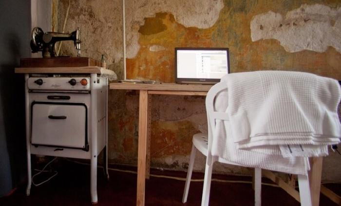Шебби-шиком такой интерьер не назовешь, но стоит признать, что арендаторы организовывали офисы с выдумкой («Дом Наркомфина»). | Фото: m24.ru.