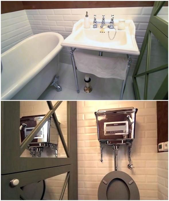 Хромированные и зеркальные поверхности преобразили ванную комнату.