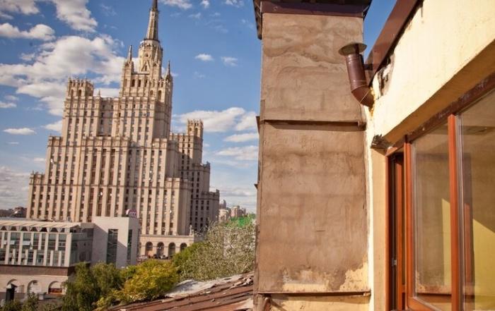 Таким видом из окна мало кто может похвастаться («Дом Наркомфина»). | Фото: m24.ru.