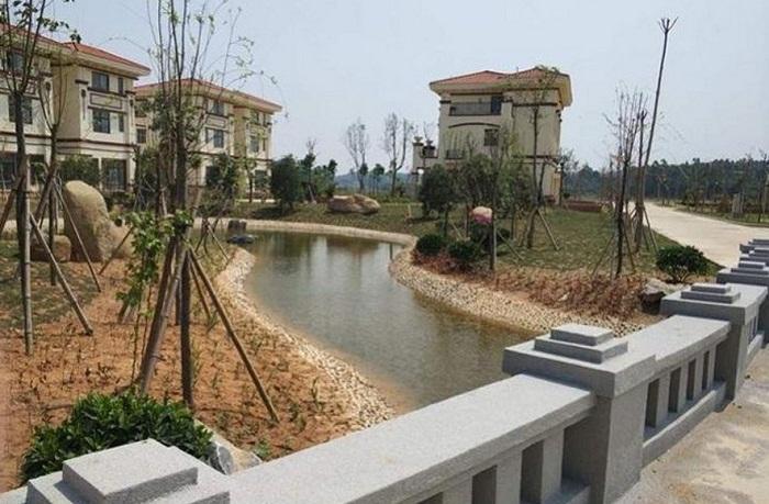 Для удобства односельчан построены новые мосты через реку (Китай).
