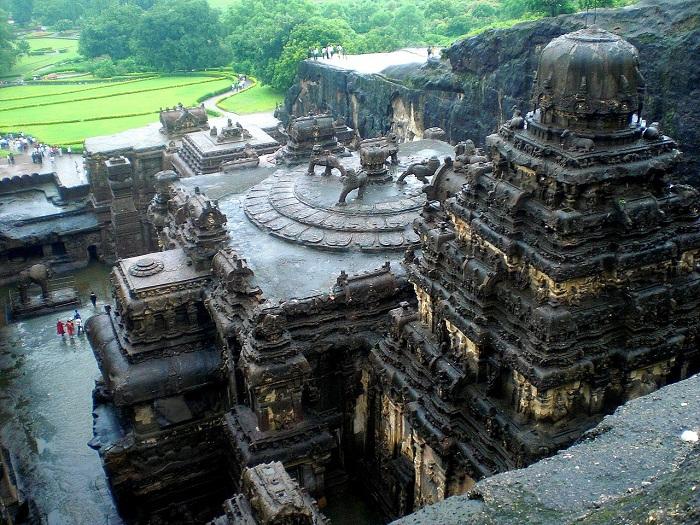 Загадку этого уникального храма не разгадали до сих пор (Храм Кайлаш, Индия).