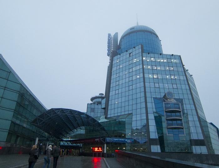 Самый высокий вокзал Европы находится в Самаре (Россия).