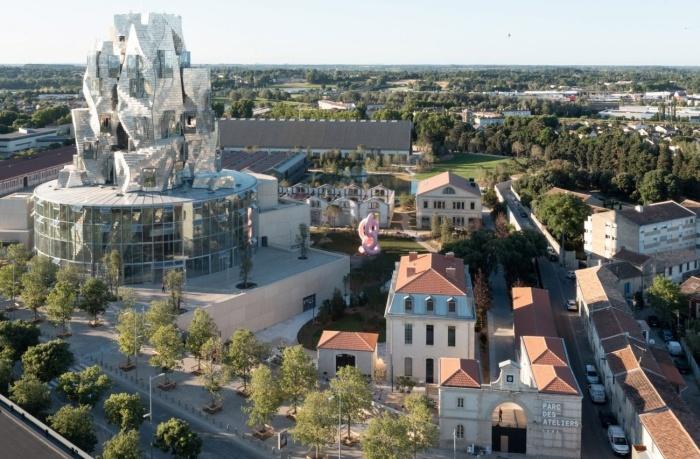 Завершилось строительство «Мерцающей башни», спроектированной Фрэнком Гери (Parc des Ateliers, Франция).   Фото: lakhtacenter.livejournal.com.