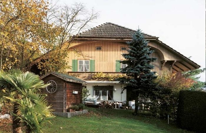 За стенами традиционных домиков много лет прятались секретные военные объекты (Fake Chalets, Швейцария). | Фото: mytechnologyworld9.blogspot.com.