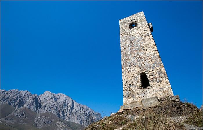 Строительство родовых каменных башен могли позволить только очень богатые семьи. | Фото: aquatek-filips.livejournal.com.
