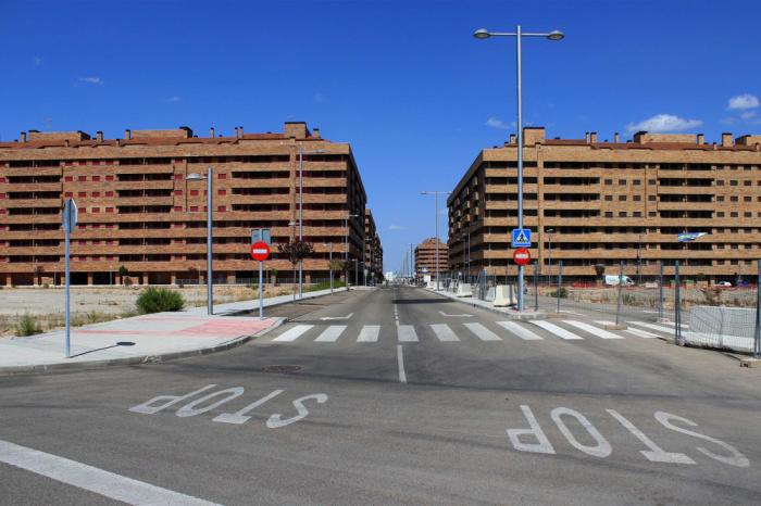 Пустующие улицы пугают больше чем городская суета (Сесенья, Испания). | Фото: art-defi.livejournal.com.