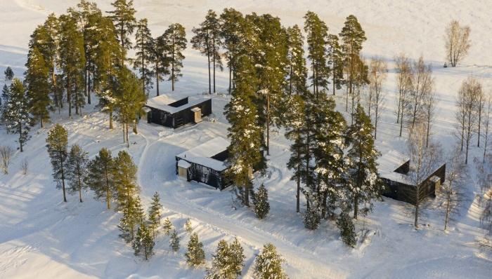 Модульный отель можно доставить в любое место на кузове грузовика (Uni Villas, Финляндия). | Фото: designboom.com.