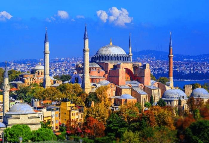 Собор Святой Софии – всемирно известный памятник архитектуры и главный символ «золотого века» Византии. | Фото: korrespondent.net.
