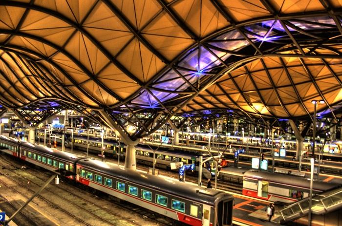 Так выглядит необычная крыша над железнодорожной станцией (Мельбурн, Австралия).