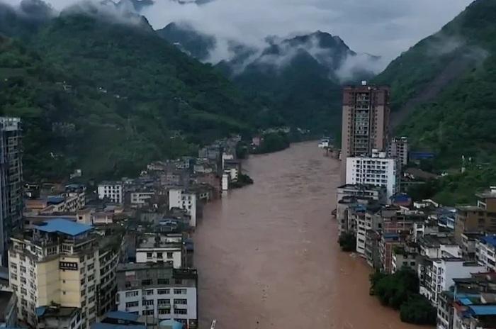 Наводнение в 2020 году унесло не только урожай, но и человеческие жизни (Яньцзинь, Китай). | Фото: enciclopediya-geografa.ru.