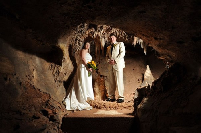 Это излюбленное место для романтических встреч и свадебных вечеринок.