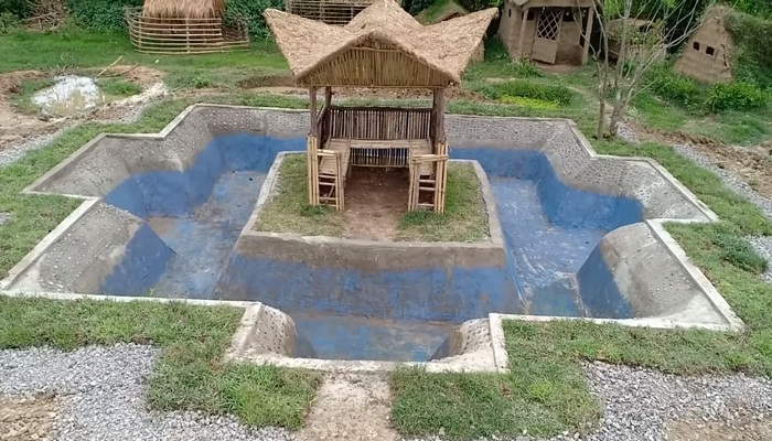 Да, в таком бассейне будет очень приятно искупаться.