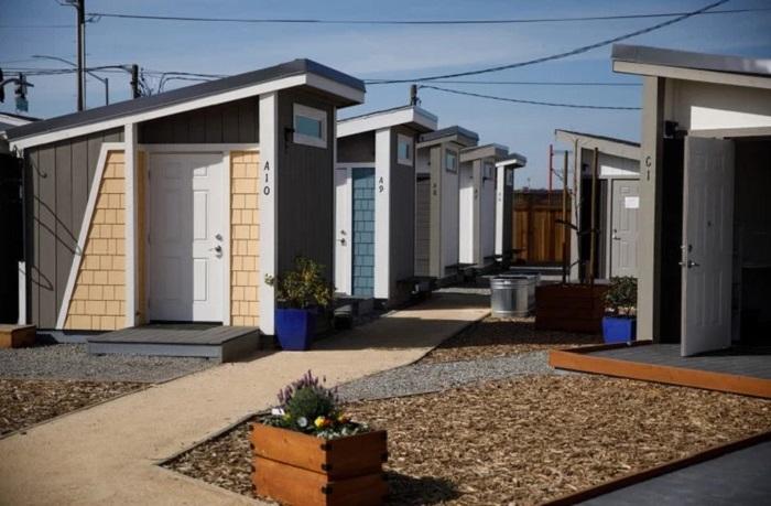 Калифорнийские бездомные могут обрести собственную крышу над головой, но на определенных условиях («Bridge Housing Communit», Сан-Хосе). | Фото: kukmor.livejournal.com.