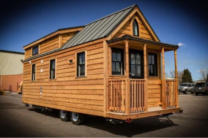 Благодаря тому, что новый дом Бетт на колесах, она мажет жить, где ей захочется. | Фото: nb.teepr.com.
