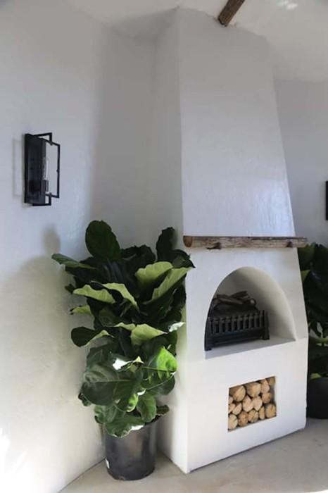В холодное время года посетители смогут согреться «живым огнем» возле камина («Big Idaho Potato Hotel», Айдахо). | Фото: yaplakal.com.