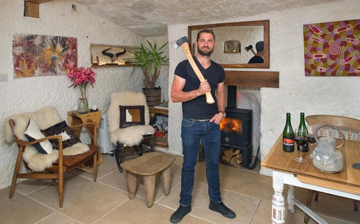 Анджело Мастропитро – создатель фантастического дома в пещере Rockhouse Retreat.