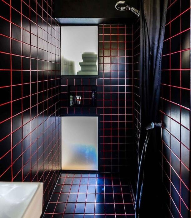 В обновленной комнате получилась изолированная ванная комната. | Фото: dailymail.co.uk.