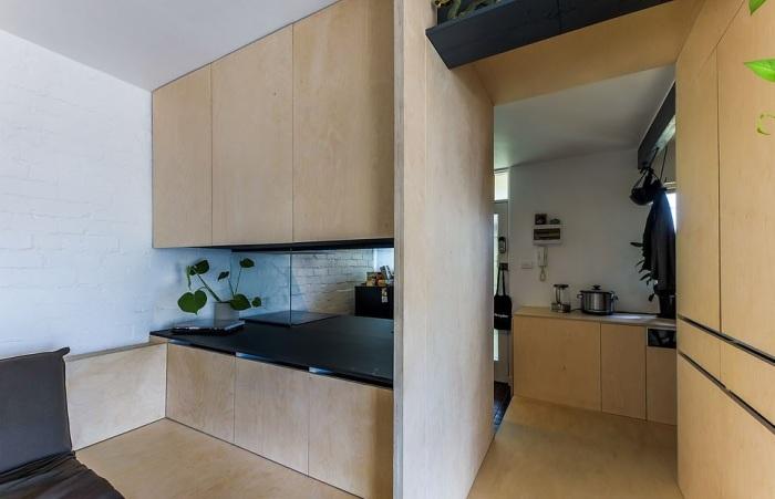 Мебельный модуль позволил создать полноценную квартиру. | Фото: dailymail.co.uk.