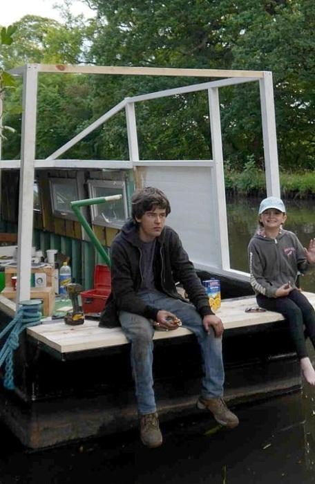 На полную реконструкцию баржи ушло 2 месяца и 3 тыс. долларов. | Фото: dailymail.co.uk.