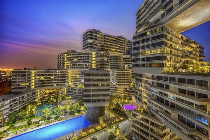 Суперсовременный жилой комплекс стал достопримечательностью Сингапура («Interlace»). | Фото: flickr.com.