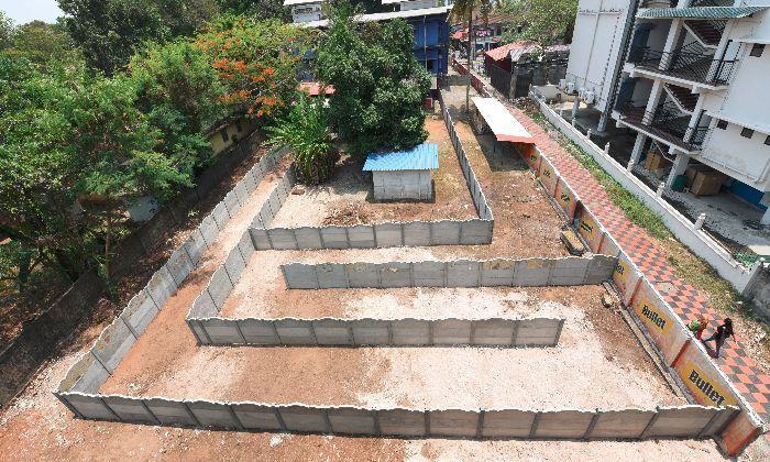 Хитрый владелец бара построил перед входом лабиринт, чтобы обойти закон. | Фото: postaless.livejournal.com.