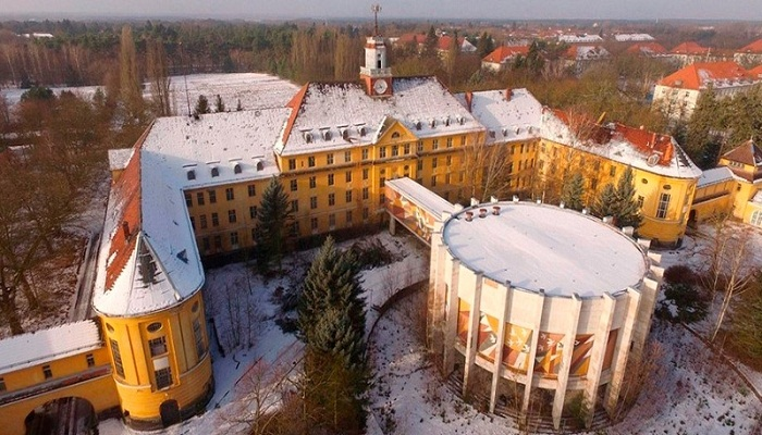 Здание диорамы в Вюнсдорфе (Германия). | Фото: pikabu.ru.