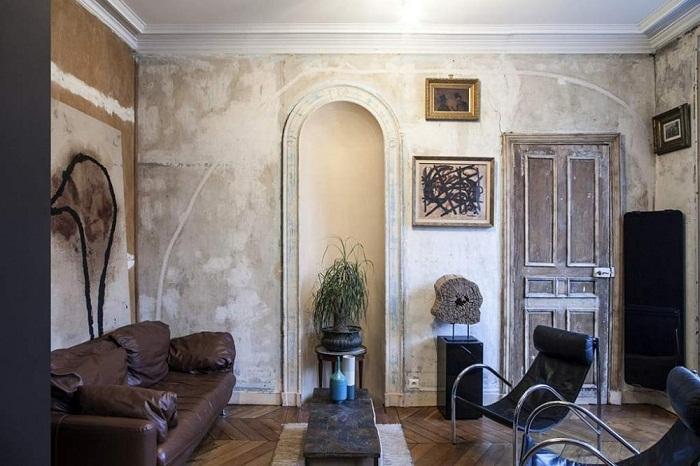 Так выглядит гостиная в преображенных мини-апартаментах (Проект Batiik Studio). | Фото: modaistile.ru.