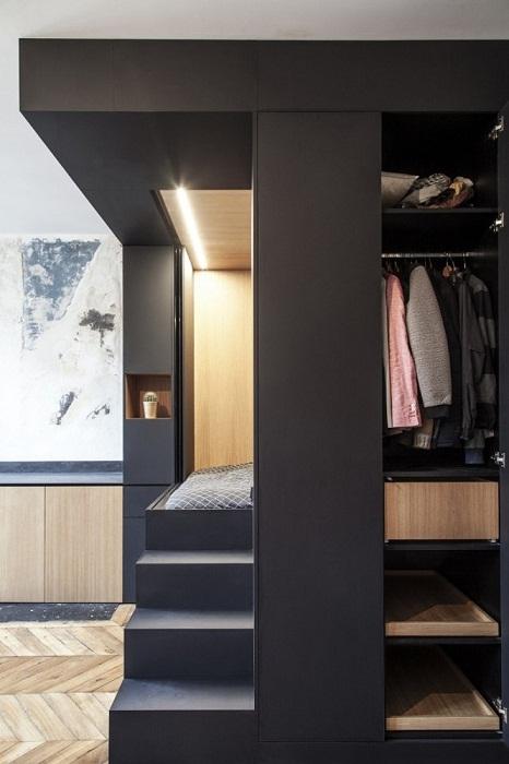 В модуле хватило места для гардеробной (Проект Batiik Studio). | Фото: modaistile.ru.