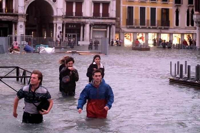 Венецию заливает водой.