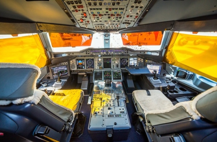 Кабина пилотов аэробуса А-380. | Фото: joker.ykt.ru.