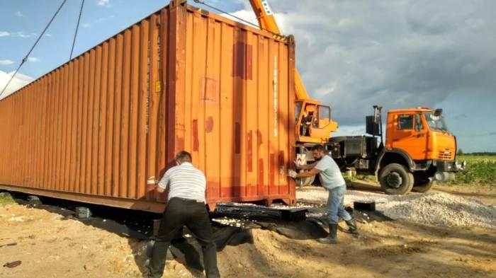 Покупка двух морских контейнеров обошлась в 290 тыс. не считая доставки. | Фото: stena.ee.