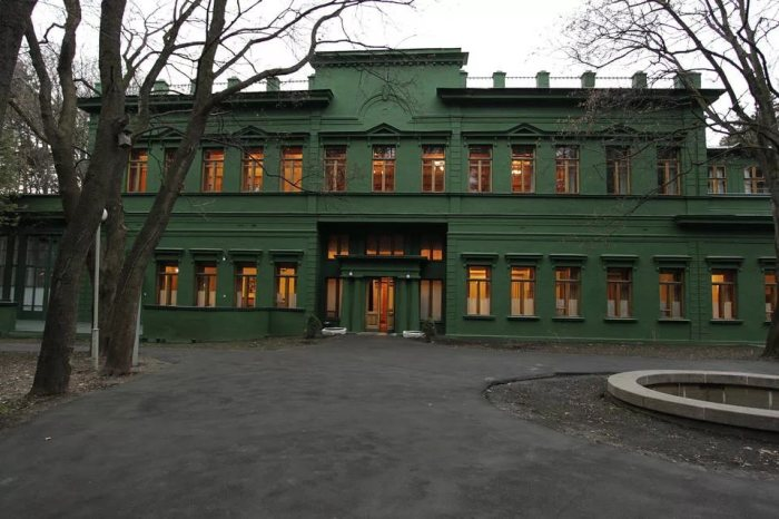 Ближняя дача — одна из самых известных резиденций Иосифа Сталина. | Фото: diletant.media.