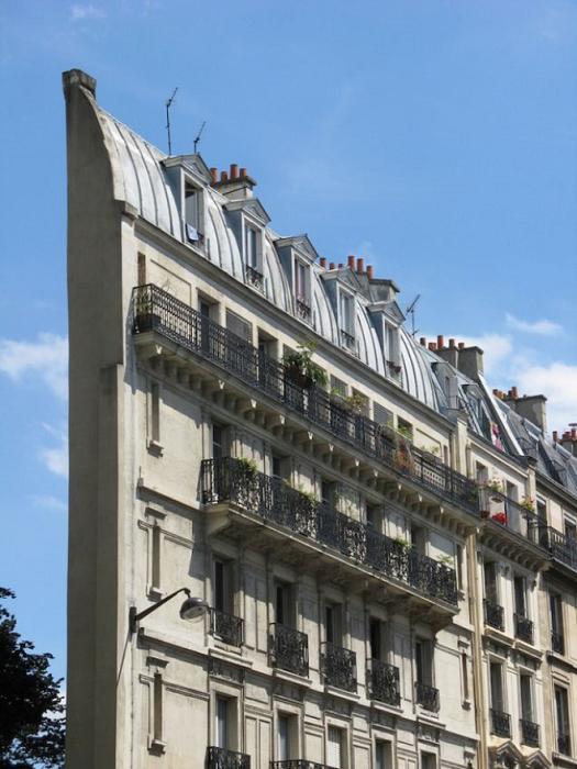 Самое интересное здание Skinny Haussmann Building в Париже.