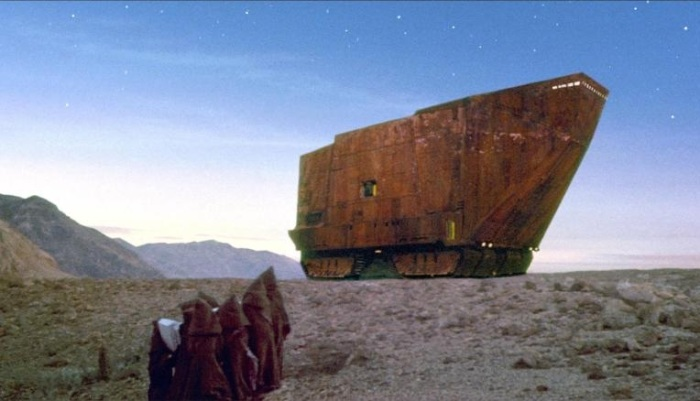 Форма гостиницы послужила прототипом для пескохода Sandcrawler в кино эпопее «Звездные войны» (Hotel du Lac, Тунис). | Фото: cnn.com.