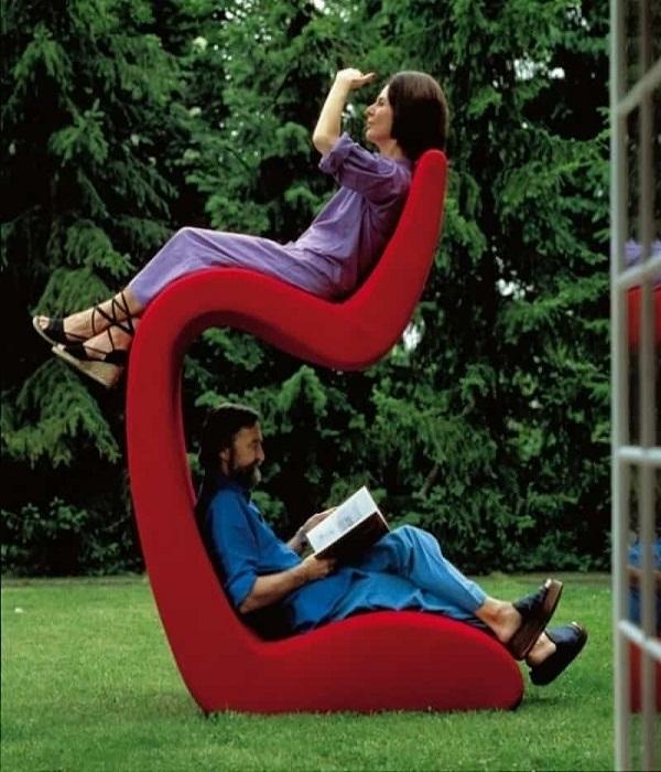 Если хотите отдыхать вместе, тогда такое кресло для вас.