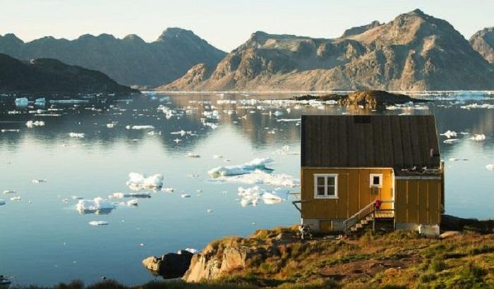 Маленький охотничий домик на мысе Моррис-Джесуп (Гренландия).