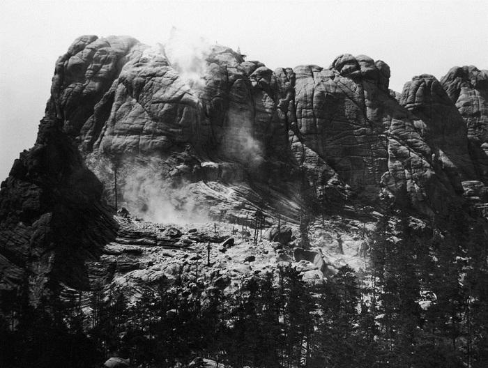Так выглядела гора Рашмор до создания барельефов президентов США (1905 г.).