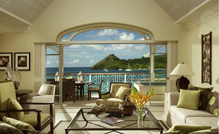 Имитация выхода на балкон с восхитительным пейзажем.
