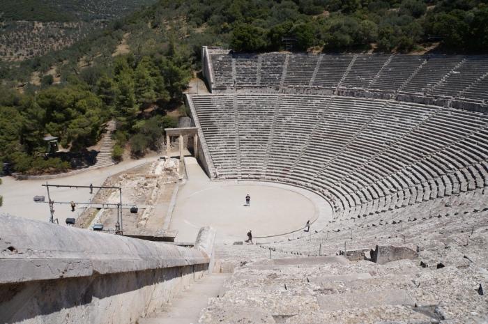 Древнегреческий театр в Эпидавре считается местом исцеления (Греция). | Фото: think-head.livejournal.com.